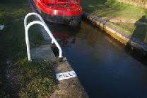 Always keep the boat clear of the cill marker