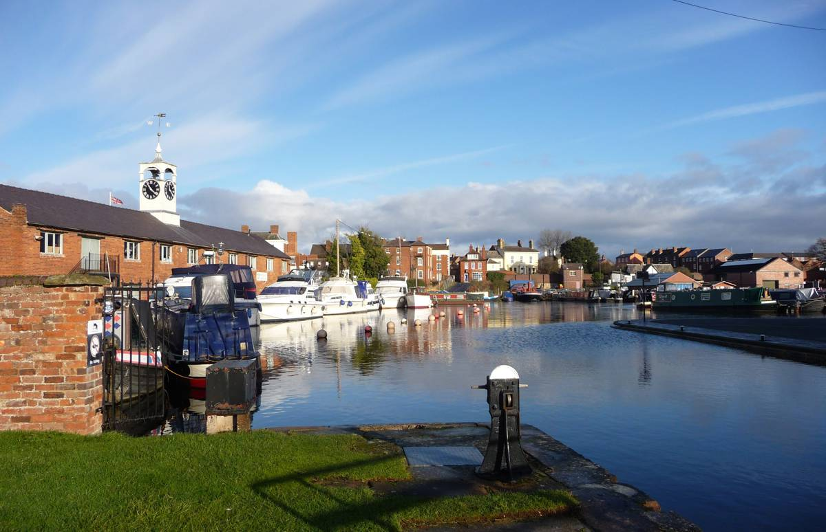 Stourport Old Basin - Photo by John Lord